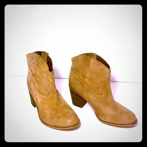 Matisse Bess Distressed Leather Boots